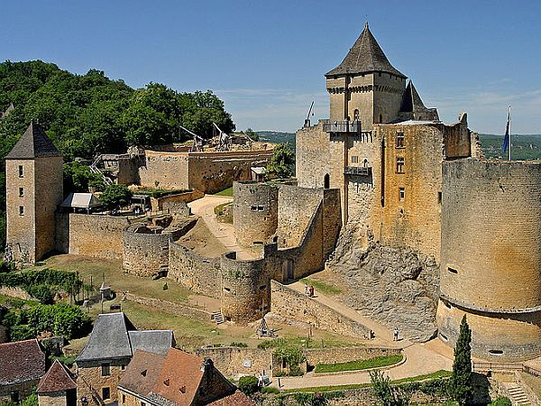 Overview of Castelnaud castle.
