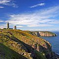 Lighthouse on cliffs along a coastal walking path in France (original image by Jean-Marie Hullot - see http://en.wikipedia.org/wiki/File:CapFrehelLightHouse.jpg).