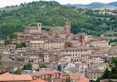 Sarnano - a beautiful medieval town in Le Marche