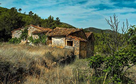 Old farmhouse in the Sierra Espedan in Spain