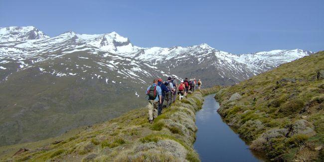Group of people walking in the Sierra Nevada