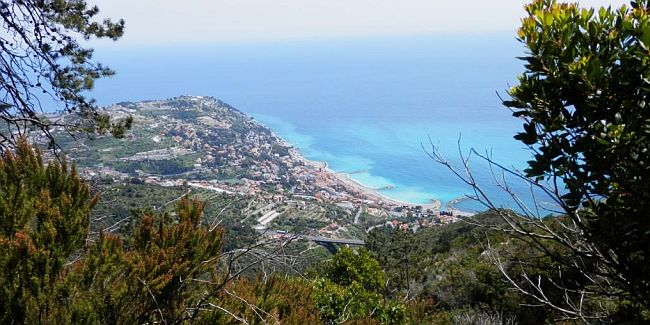 Walk the Riviera Ridgeways in Liguria in Italy