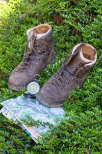 hiking-boots-map-portrait