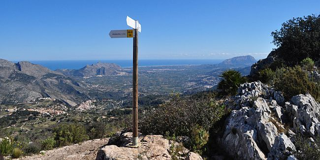 Beautiful view of the Costa Blanca that can be enjoyed on a walking holiday