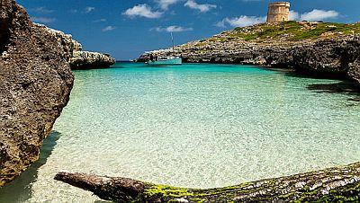 Menorca-bay-holiday