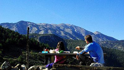 greece walking picnic spot Prastos article