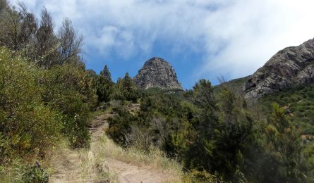 hiking higher and higher on La Gomera