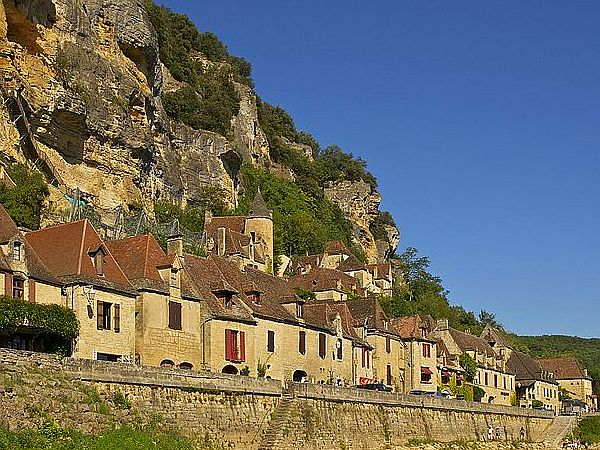 Dordogne village street