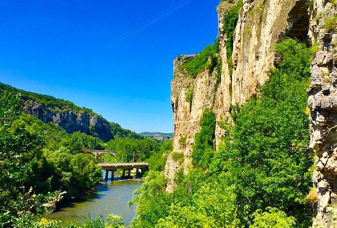 Two bridges abouve a river